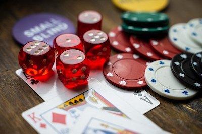 Glücksspiel an Spielautomaten und Slot Machines im Spielcasino